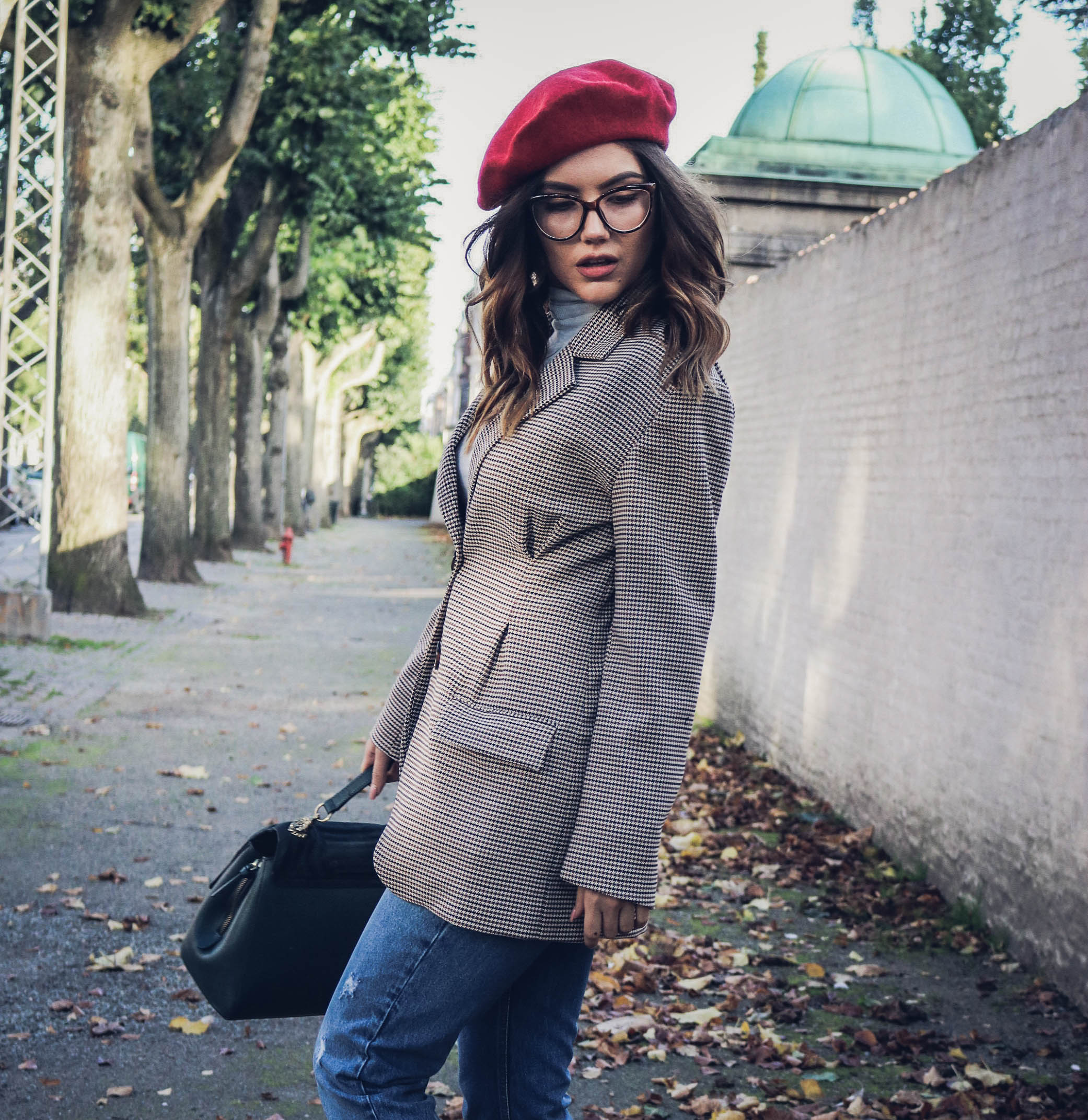 Funny Hat Caps Beanies Skullies Fedoras Berets Dress: Trend Alert. How To Wear A Beret Hat This Fall?